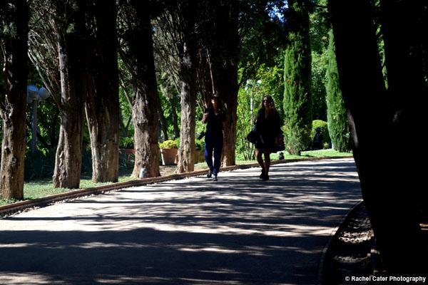 friends walking in la alhambra rachel cater photography