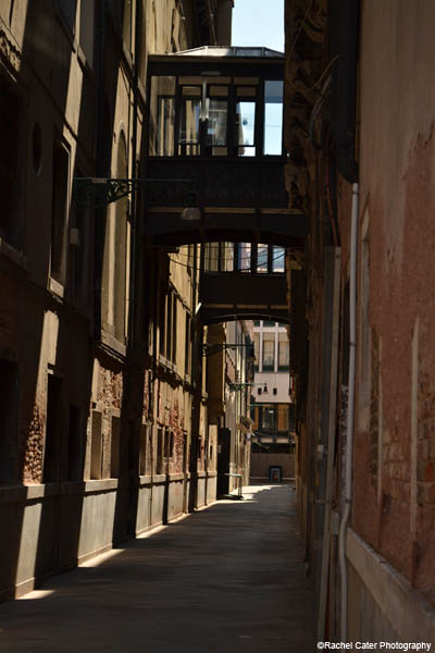 alley in venice rachel cater photography