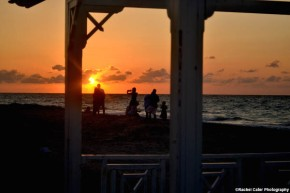 sunsets-in-cuba-silhouette of people-rachel-cater-photography